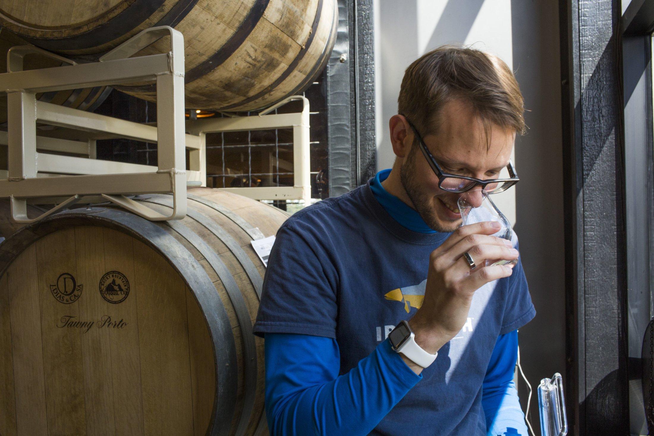 Distiller Dan Tasting-min